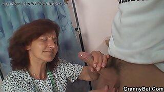 Berbulu Memek Nenek.