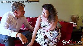 Agedlove Bussinsman Seduced oleh Hot Dewasa Ibu