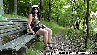 Istri bercinta dengan orang asing di taman