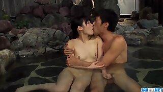 Momen porno panas di sepanjang Naked Istri, Yui Kasugano - lebih banyak di Javhd.net
