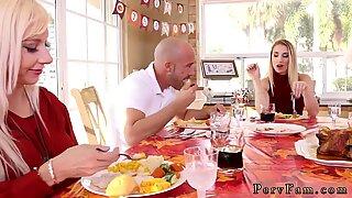 Amatir ABG Toy Webcam Spanksgiving dengan keluarga