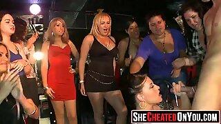 37 hot sluts tertangkap sialan di kelab 152