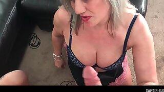 Montok wanita milf mengisap penis besar pemain video