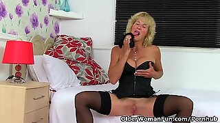 british cougar Molly is flashing off her fuckable body